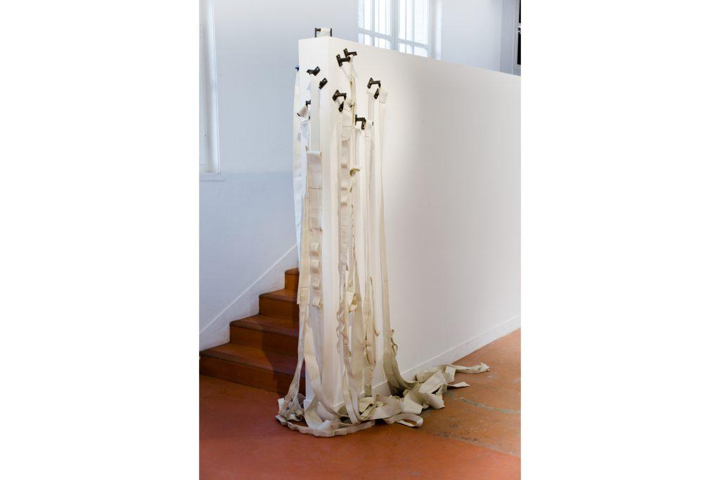 """Daniel Nehring Kunstwerk """"Geschirr"""", Bildhauerei, PVC, Contemoray sculpture"""