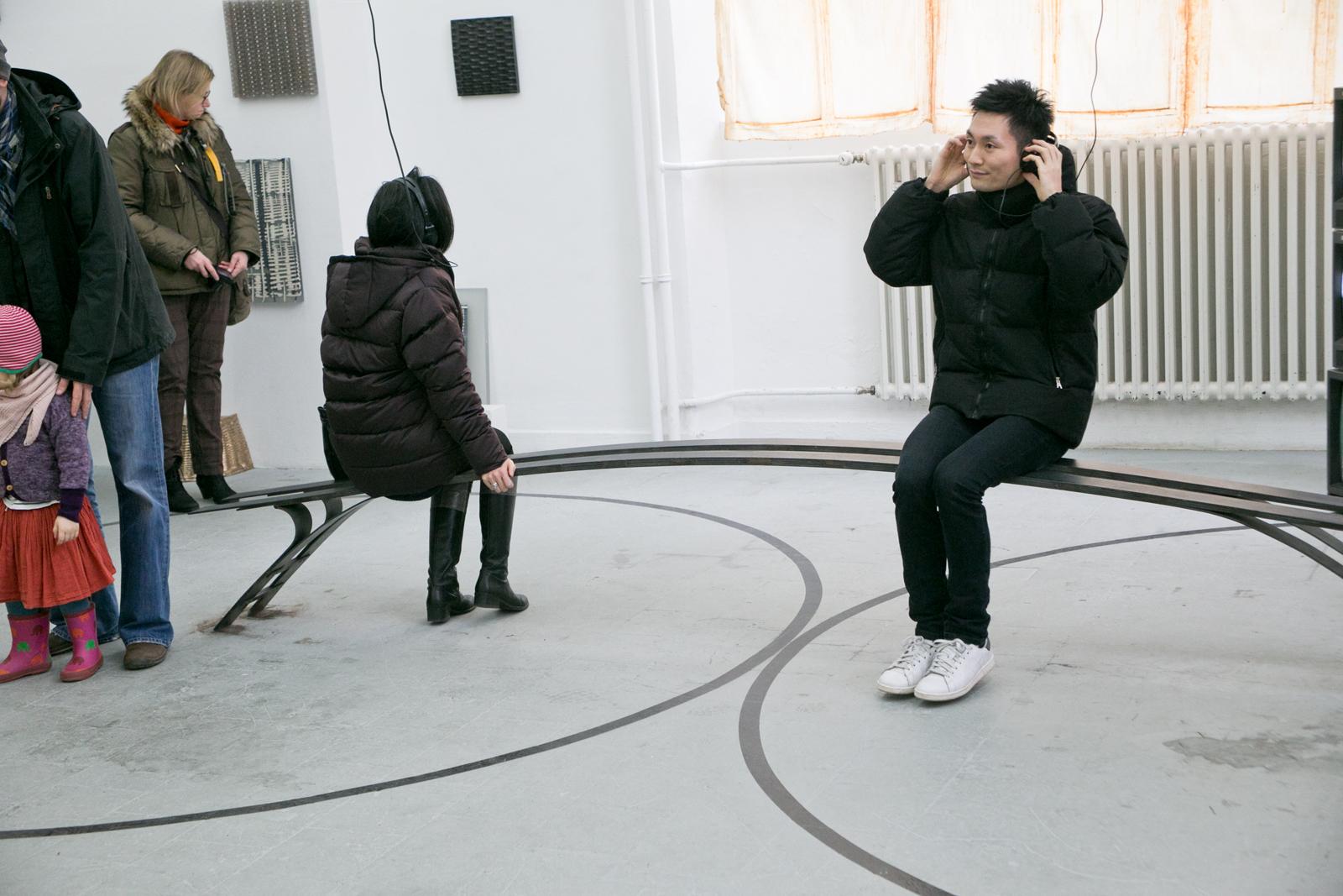 Daniel Nehring Kunstwerk Pendeln, Schwingen, Taumeln, Installationsansicht